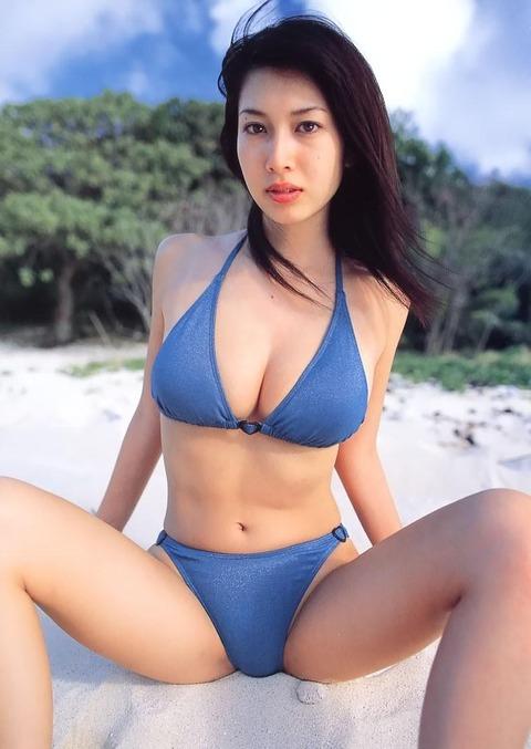 小林恵美 画像 036