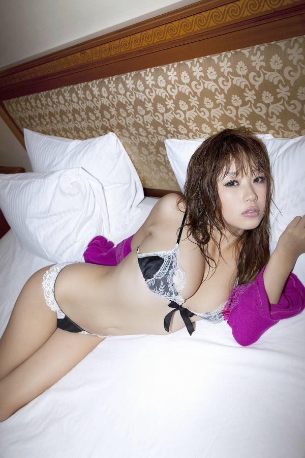 西田麻衣 画像 082