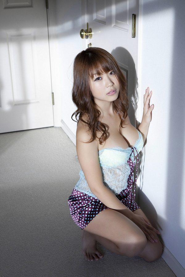 西田麻衣 画像 086