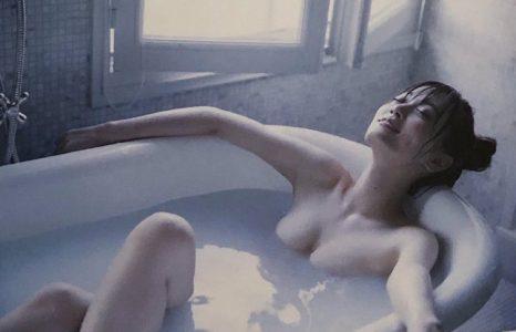 山下美月 【エロ画像128枚】乃木坂46の卑猥な手ブラヌード