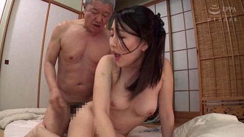 伊東真緒 巨乳人妻系AV女優のエロ画像199枚!