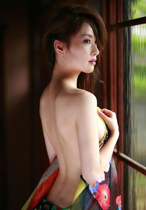 澤北るな 画像 071