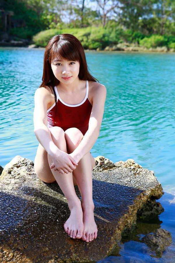 石田亜佑美 画像 002
