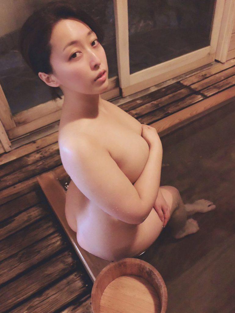篠崎かんな 画像 049
