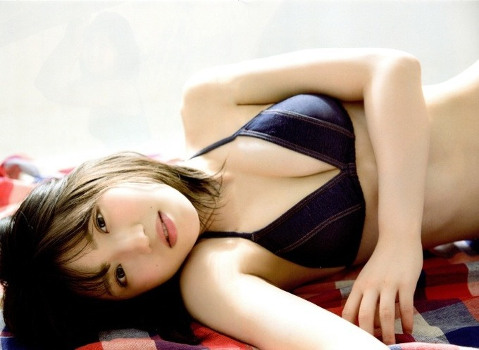 村山彩希エロ画像