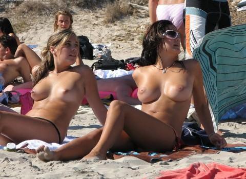 ヌーディストビーチ 画像 056
