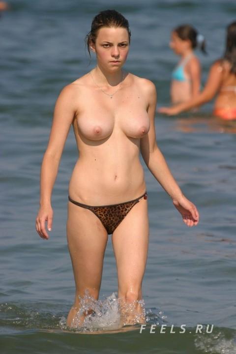 ヌーディストビーチ 画像 083