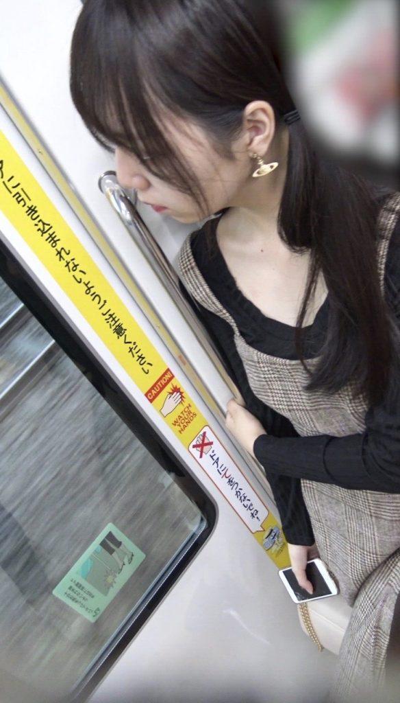 電車パンチラ 画像 091