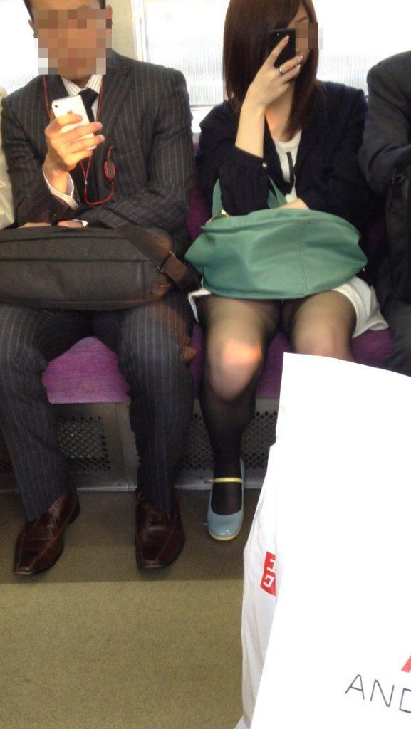 電車パンチラ 画像 015