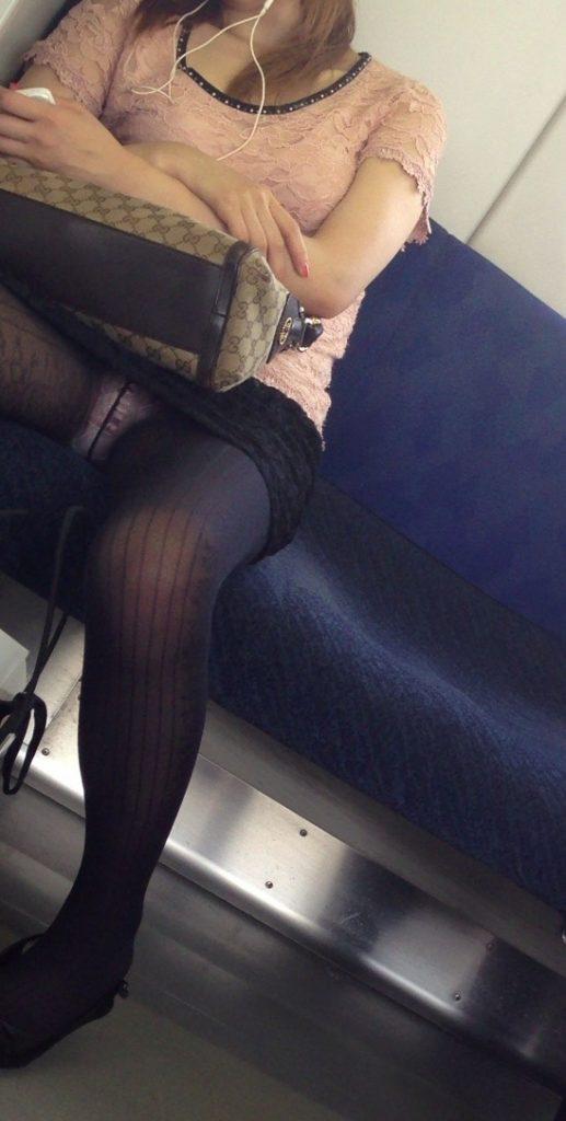 電車パンチラ 画像 020