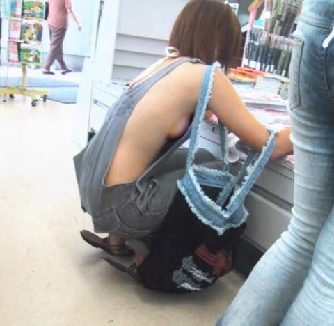 下乳横乳お姉さん 画像 019