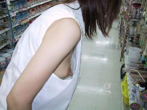 下乳横乳お姉さん 画像 020