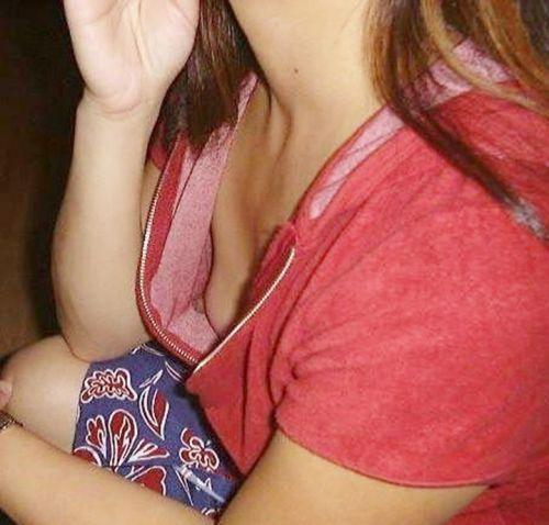 下乳横乳お姉さん 画像 091