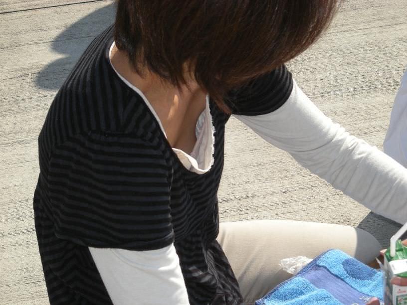 素人乳首チラ 画像 009