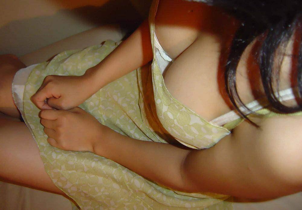 素人乳首チラ 画像 015