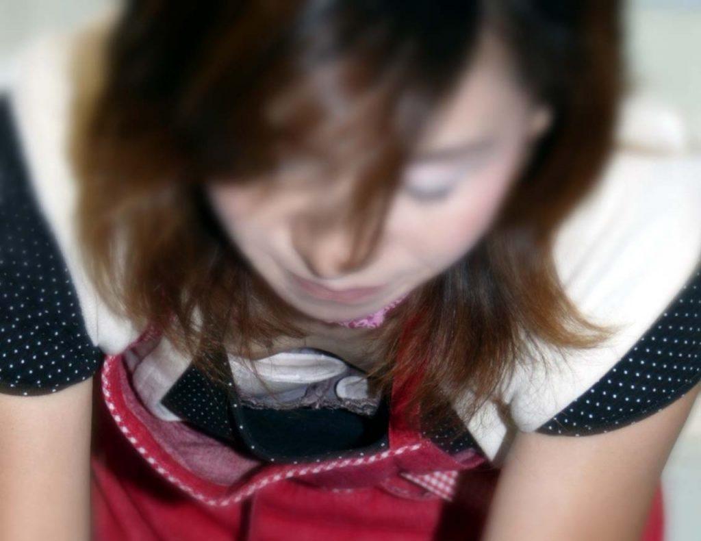 素人乳首チラ 画像 051