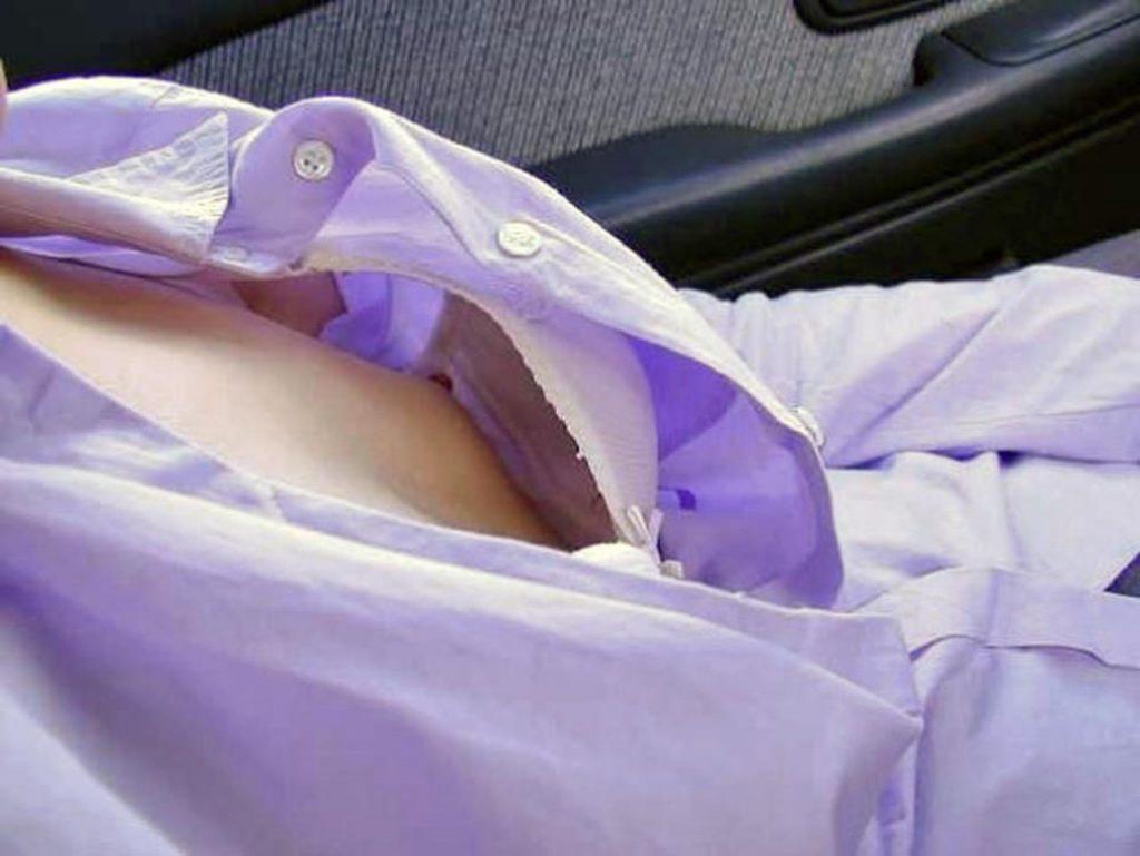 素人乳首チラ 画像 055