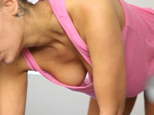 素人乳首チラ 画像 109