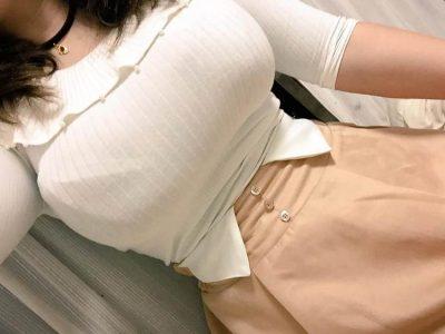 素人着衣おっぱい 【エロ画像82枚】街中の着衣でもわかる巨乳