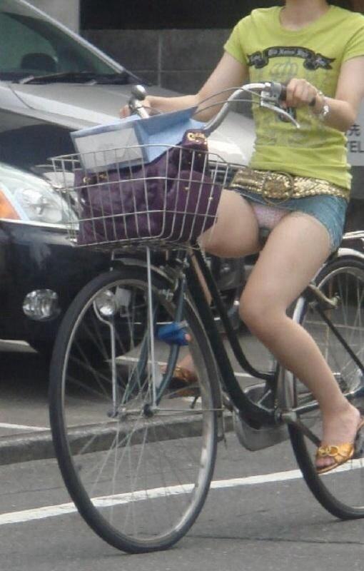 自転車のパンチラ 画像 068