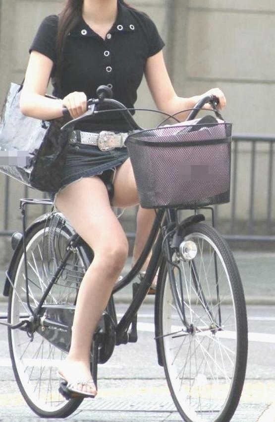 自転車のパンチラ 画像 067
