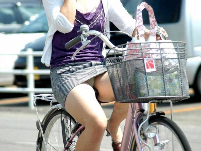 自転車のパンチラ 画像 066