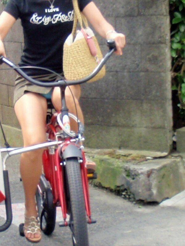 自転車のパンチラ 画像 065