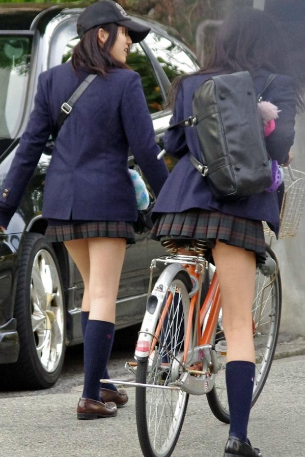 自転車のパンチラ 画像 076