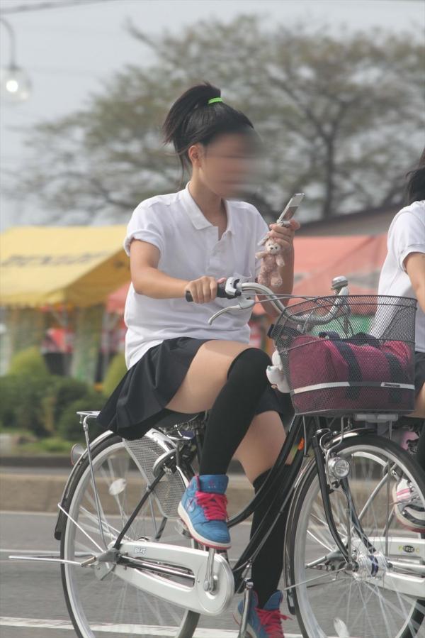 自転車のパンチラ 画像 080