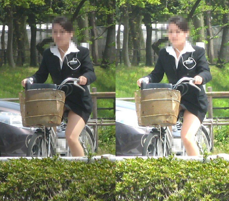 自転車のパンチラ 画像 013