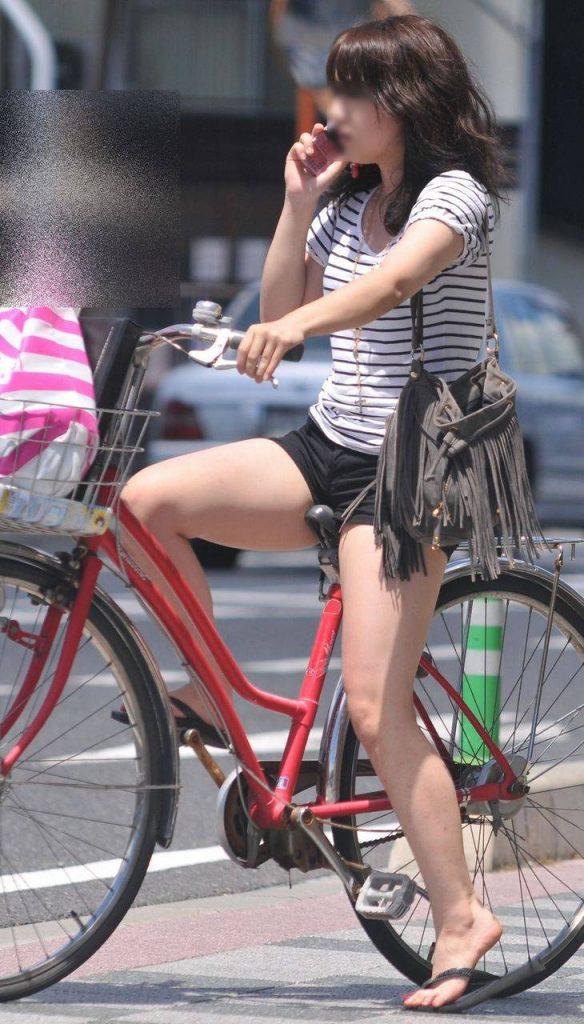 自転車のパンチラ 画像 020