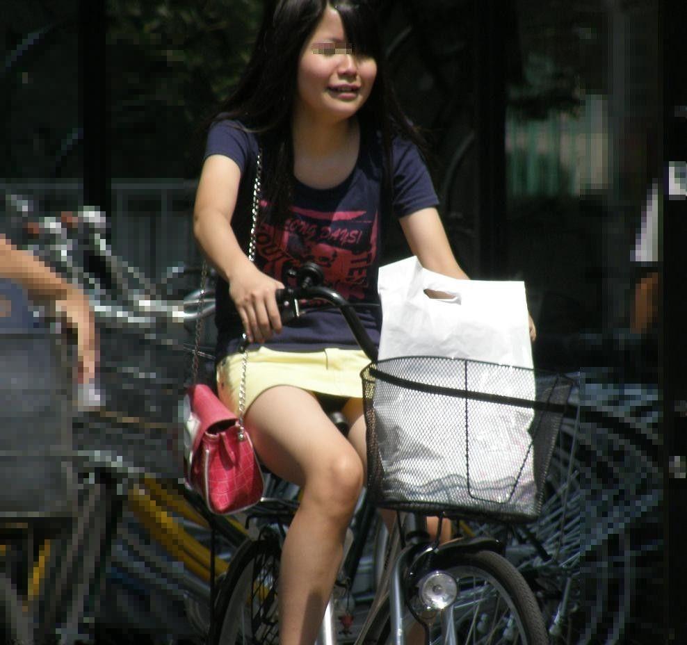 自転車のパンチラ 画像 021