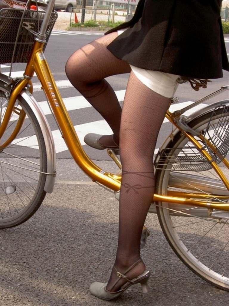 自転車のパンチラ 画像 022