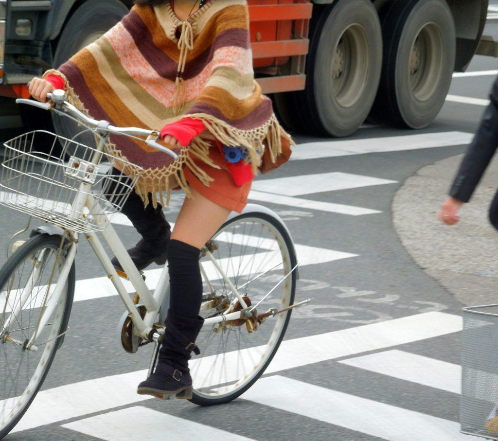 自転車のパンチラ 画像 029