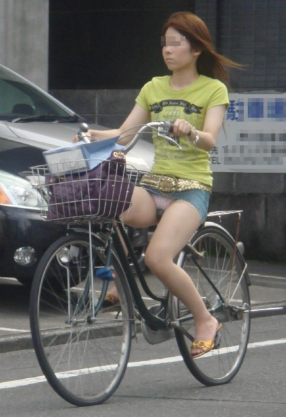 自転車のパンチラ 画像 034