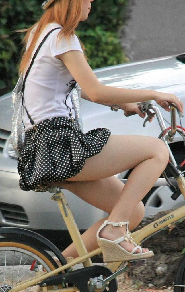 自転車のパンチラ 画像 035