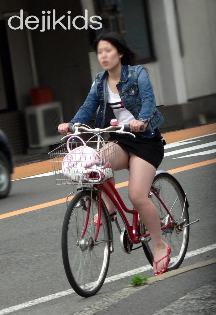 自転車のパンチラ 画像 037