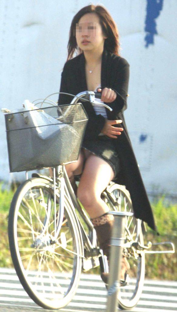 自転車のパンチラ 画像 059