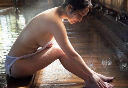 塩地美澄 爆乳の超淫乱女子アナエロ画像222枚!