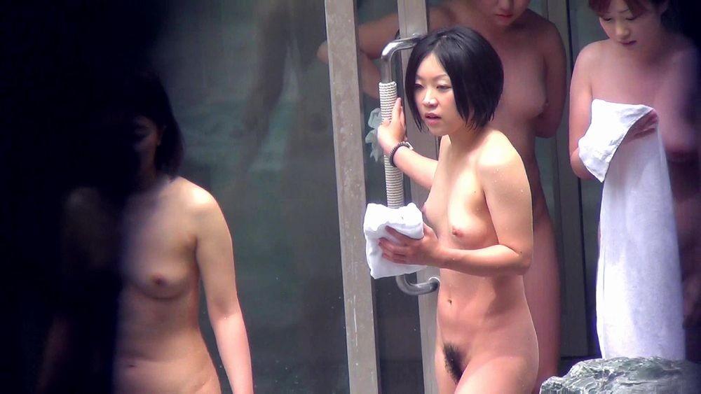 露天風呂盗撮 画像 041