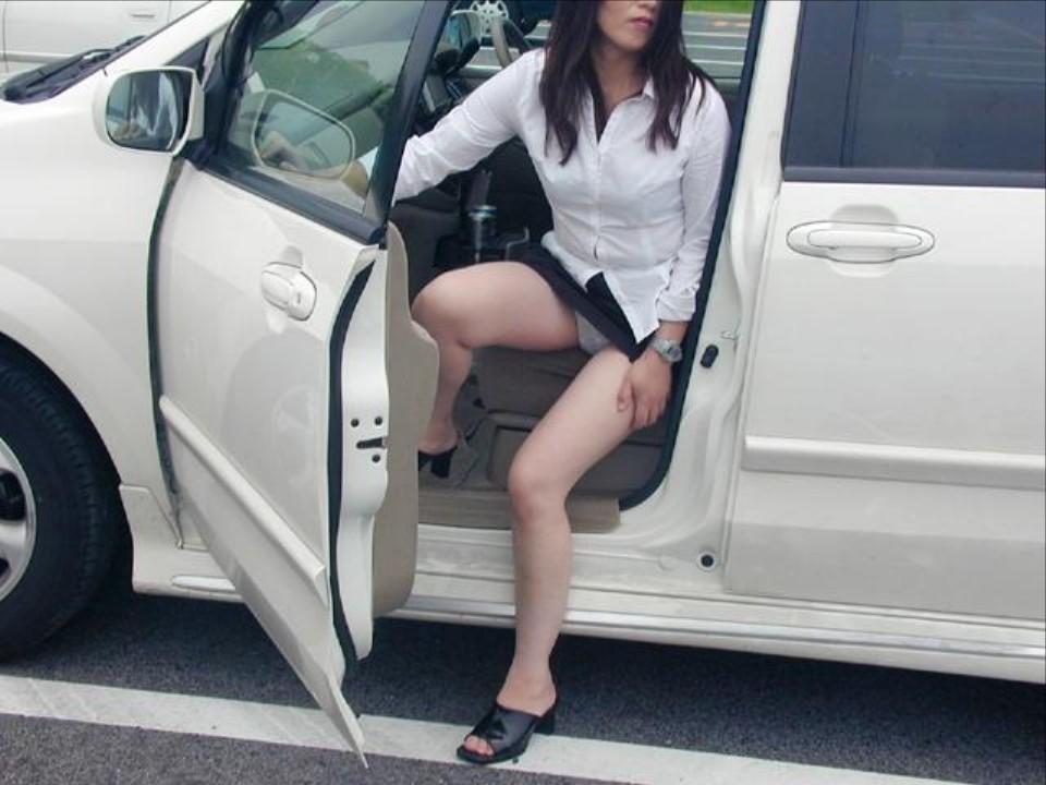 車内の淫乱素人 画像 001