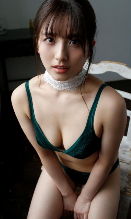 大和田南那エロ画像047