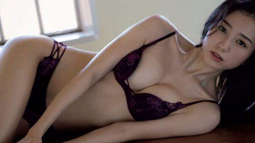 高田里穂 【画像107枚!】超美人お姉さんランジェリーエロ画像