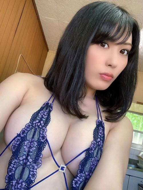 金子智美エロ画像014