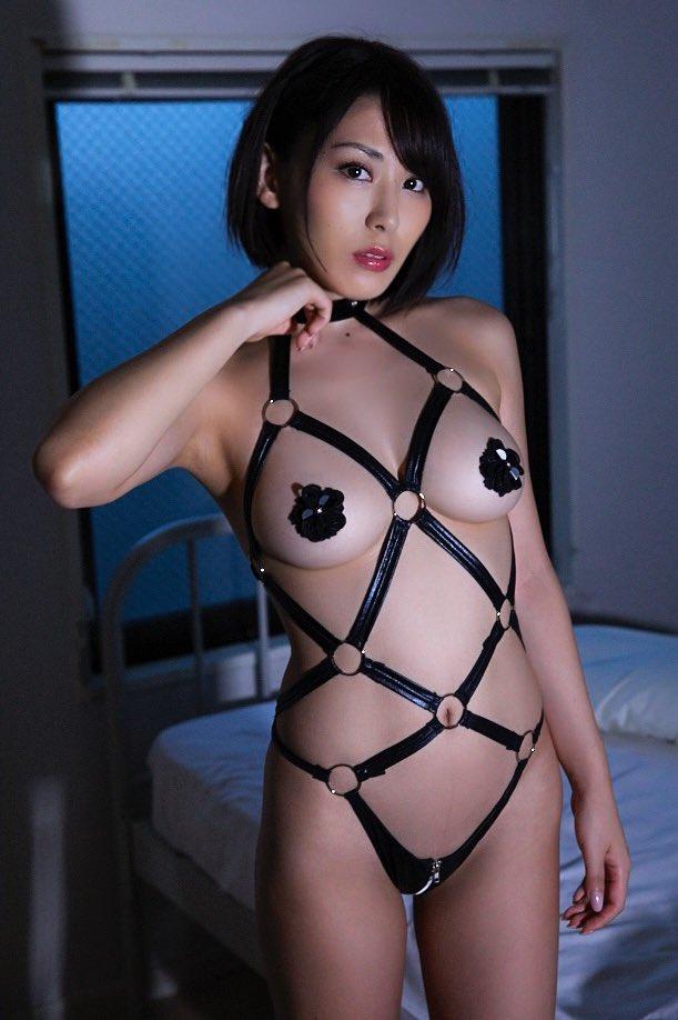 金子智美エロ画像018