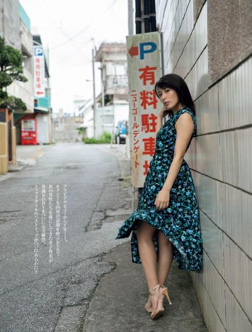金子智美エロ画像011